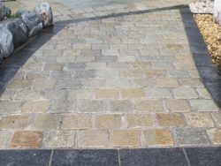 TUMBLED YELLOW LIMESTONE SETTS